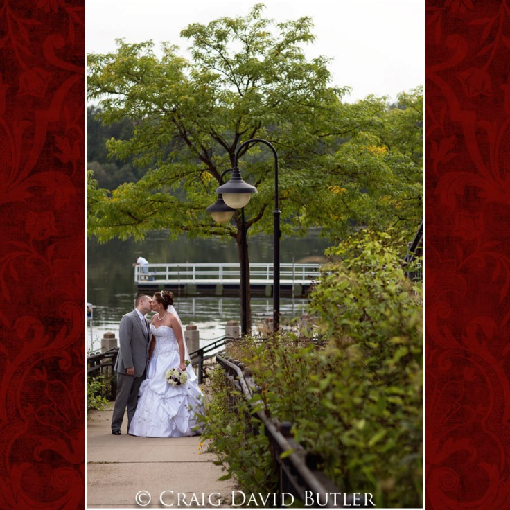 StJohns-PlymouthMI-Wedding-Photos-Atrium-CDBSTUDIOS-1001