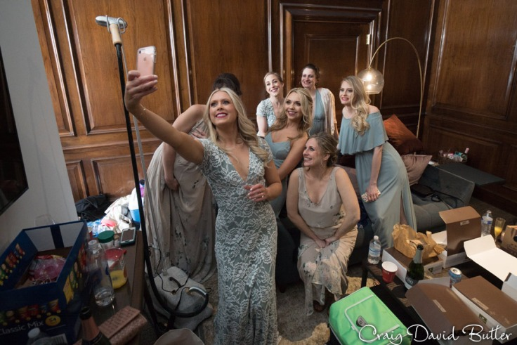 bridesmaids selfies
