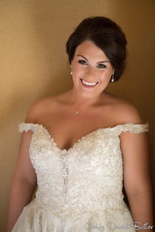 Bride portrait at the Dearborn Inn