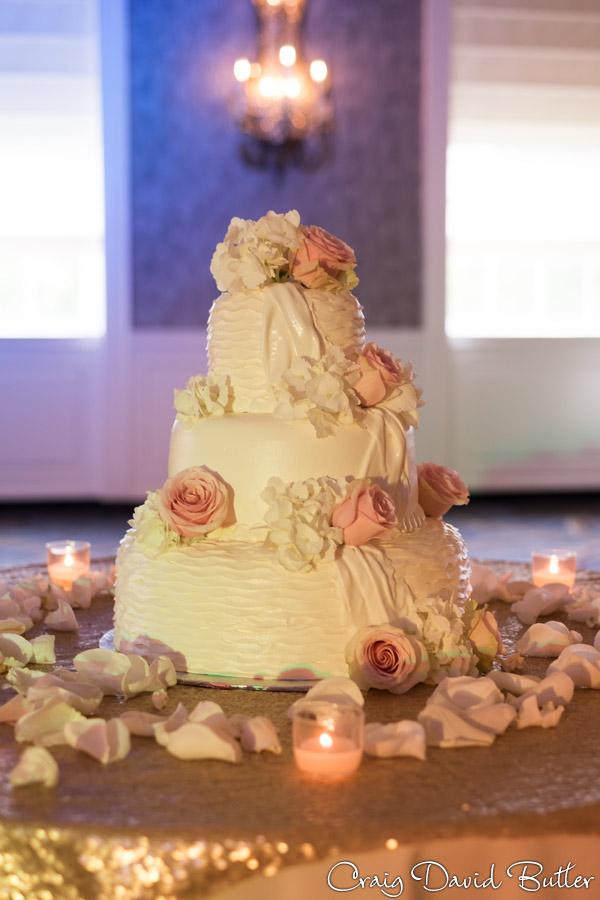 Wedding Cake at the Dearborn Inn