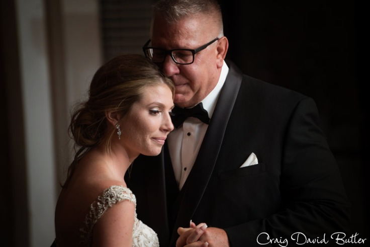 bride and her dad during their dance detroit mi