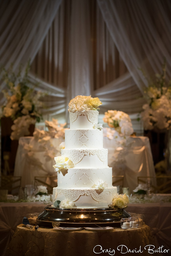 The Henry Wedding reception cake in Dearborn by Craig David Butler