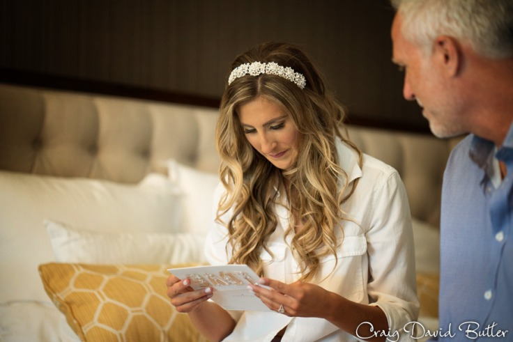 bride reading the note from her groom