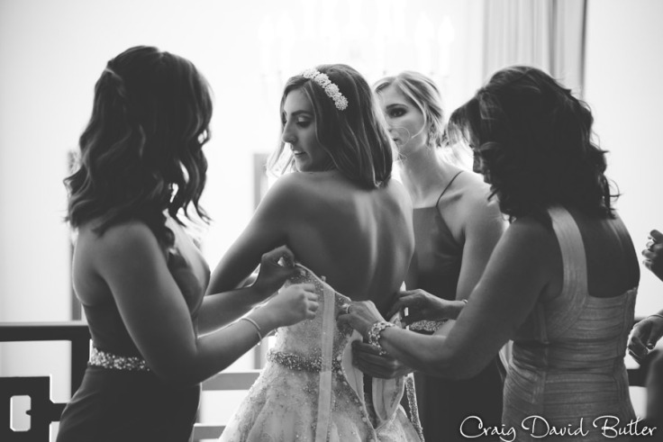 Bride getting ready in the Suite at the Inn