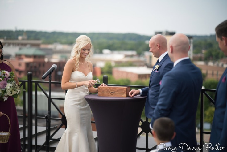 Destination-Kalamazoo-Wedding-photographer-CraigDavidButler-1038