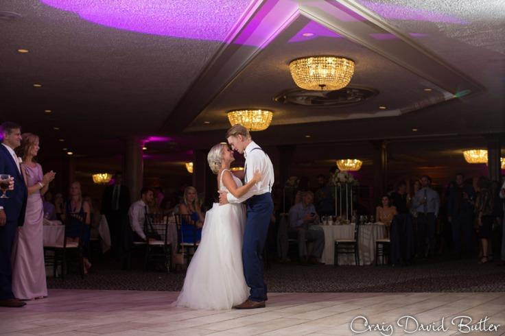 PINE-KNOB-WEDDING-PHOTOS-MI-CRAIGDAVIDBUTLER-1056