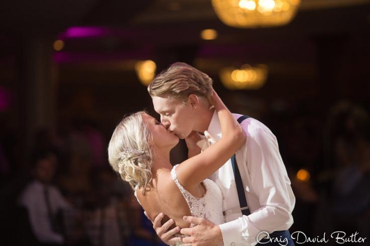 PINE-KNOB-WEDDING-PHOTOS-MI-CRAIGDAVIDBUTLER-1057