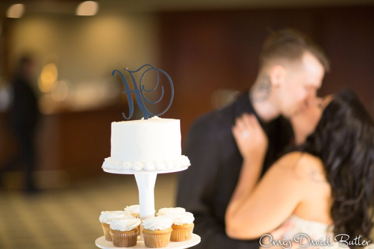 Glen-Oaks-Wedding-Photos-FarmingtonMI-CraigDavidButler-3050
