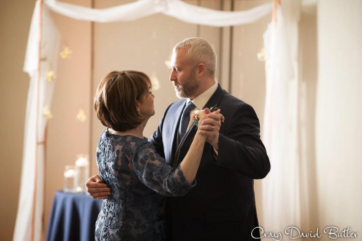 Baronette_Wedding_Photos_Novi_MI_CDBStudios1028
