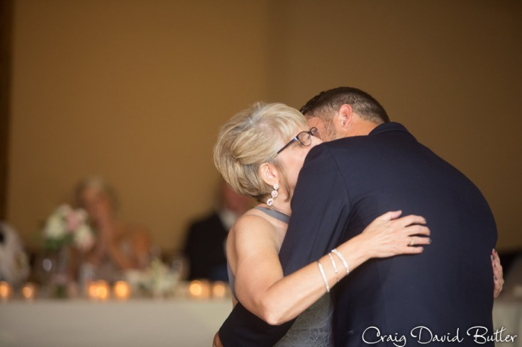 Bay_Pointe_MI_Wedding_photos_CDBStudios-4046