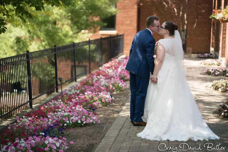 StJohns-PlymouthMI-Wedding-photos-Video-CDBStudios1092