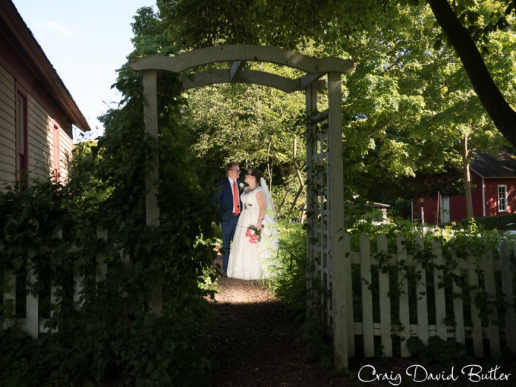 StJohns-PlymouthMI-Wedding-photos-Video-CDBStudios1095