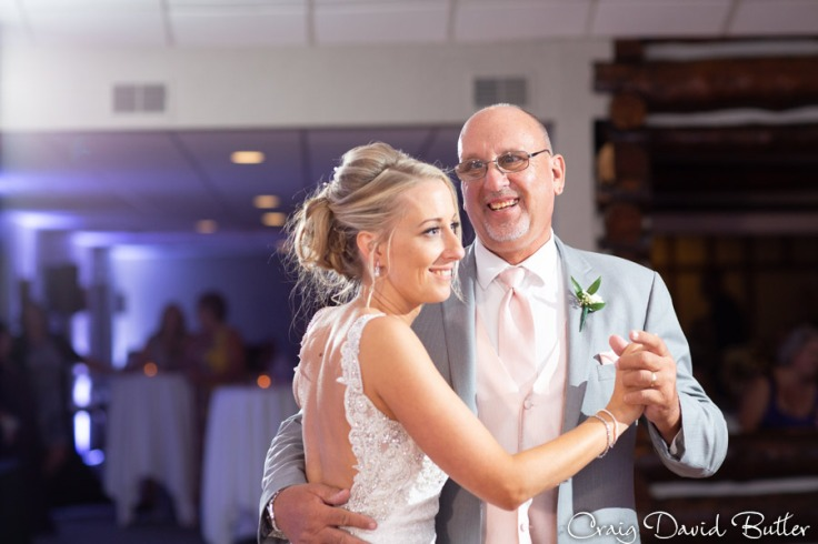 FoxHills_PlymouthMI_WeddingPhotos-CDBStudios-2048
