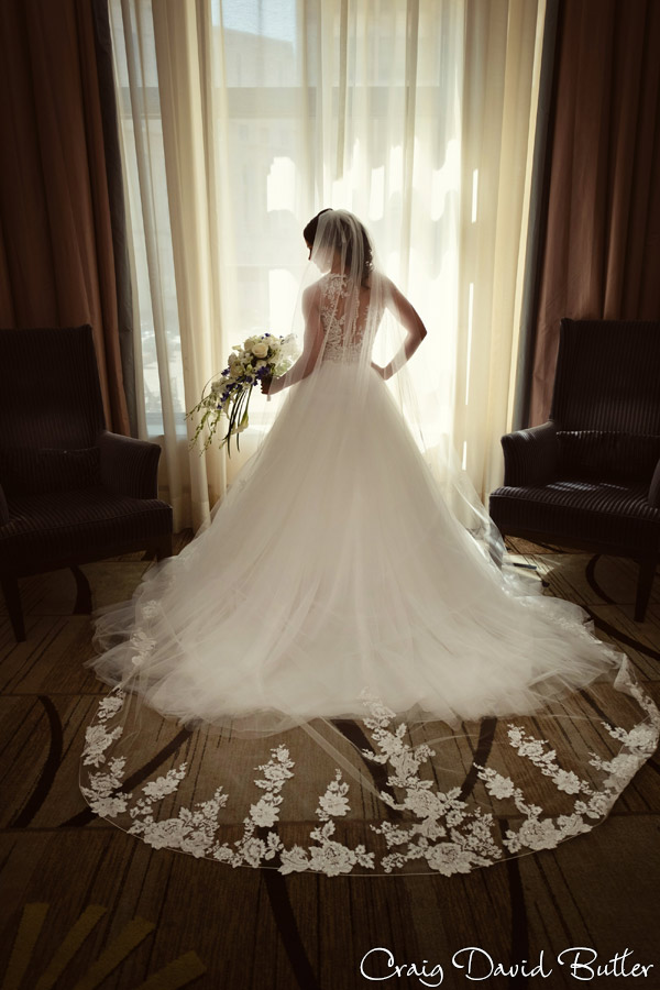 Wedding_StHugo_Ceremony_MasonicTempleDetroit_Reception_CDBStudios2017