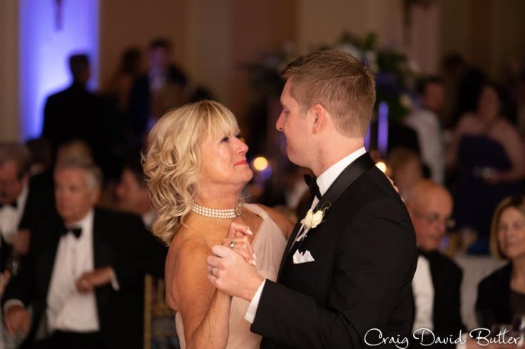 Wedding_StHugo_Ceremony_MasonicTempleDetroit_Reception_CDBStudios2055